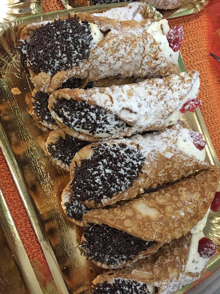 Cannoli on Prosecco Tour